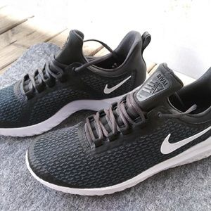 Other - LAST 1 IN STOCK🆕⚫NIKE RENEW RIVAL SNEAKERS🆕⚫